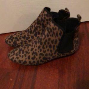 Old navy leopard booties 7